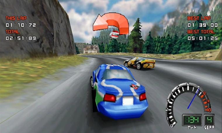 La captura de pantalla muestra un automóvil azul a la deriva en una esquina.