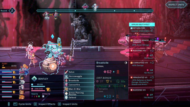 Una captura de pantalla de una pelea en Star Renegades.  Hay cuatro cuadros de menú anidados en casi toda la parte inferior de la pantalla, y el último (una lista de efectos propios aplicados de un movimiento llamado 'Broadside') cubre a las unidades enemigas.