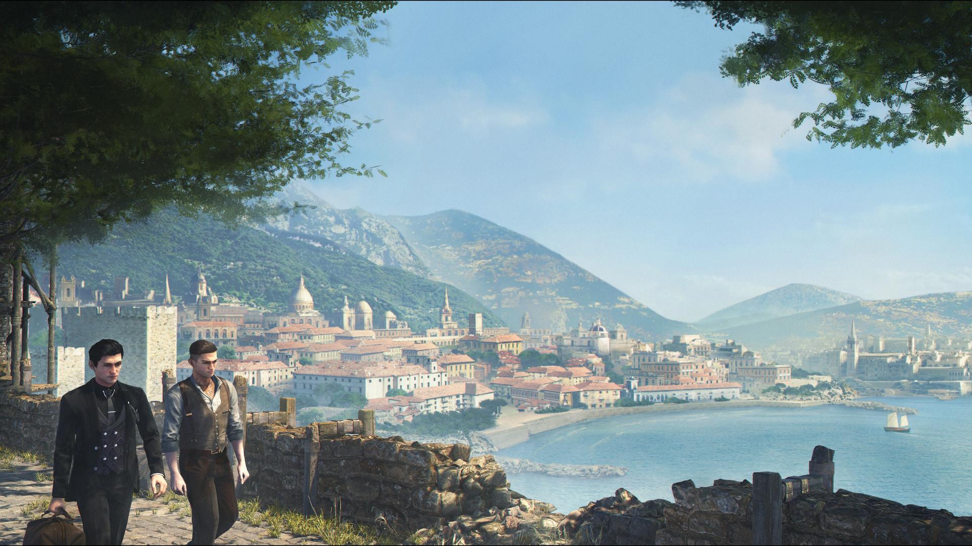 En el lado izquierdo de la pantalla, Holmes, vestido completamente de negro, camina con otro joven, vestido un poco más informalmente, con las mangas de la camisa arremangadas.  Detrás de ellos está la bahía de una ciudad mediterránea, bañada por el sol.