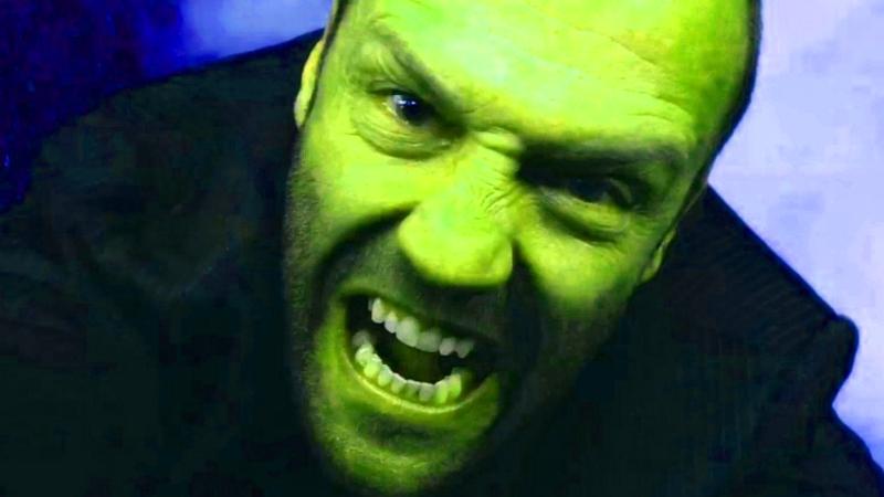 Jason Statham pero es verde.