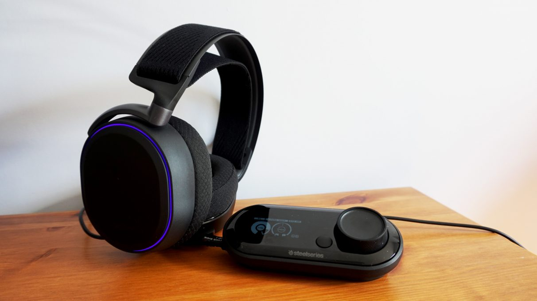 Una foto del Steelseries Arctis Pro + GameDac